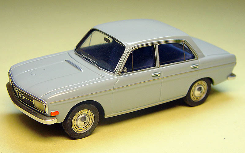 Emc 1968 Audi 60 Sedan In 1 43 Scale Mdiecast