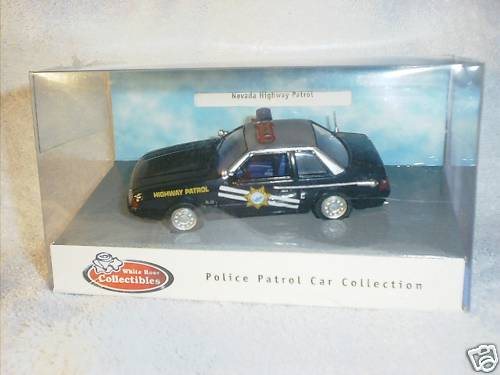 White Rose Collectibles: 1991 Ford Mustang Nevada Highway Patrol (DEDF99084WNV) im 1:43 maßstab