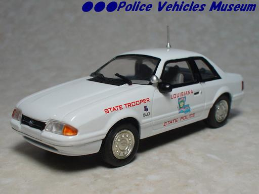 White Rose Collectibles: 1991 Ford Mustang Louisiana State Police (DEDGM99107WIN) в 1:43 масштабе