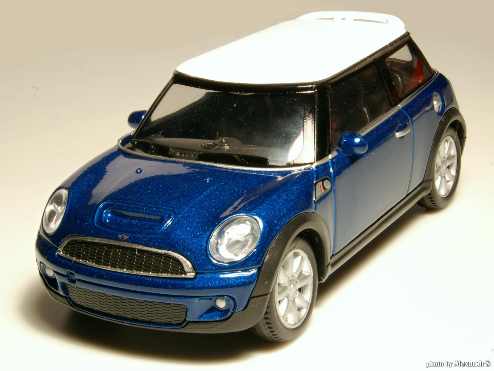 welly 2007 mini cooper s blue metallic 44010 in 1 43 scale mdiecast. Black Bedroom Furniture Sets. Home Design Ideas
