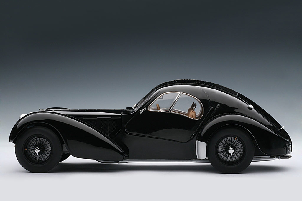 AUTOart: 1938 Bugatti 57SC Atlantic - Black w/ Disc Wheels (70941) in 1:18 scale . Picture provided by Alex, 2010-02-02 23:41:25