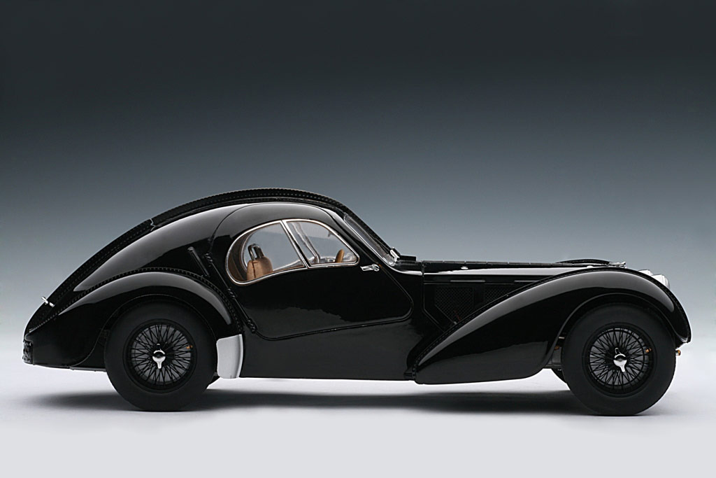 AUTOart: 1938 Bugatti 57SC Atlantic - Black w/ Disc Wheels (70941) in 1:18 scale . Picture provided by Alex, 2010-02-02 23:41:30