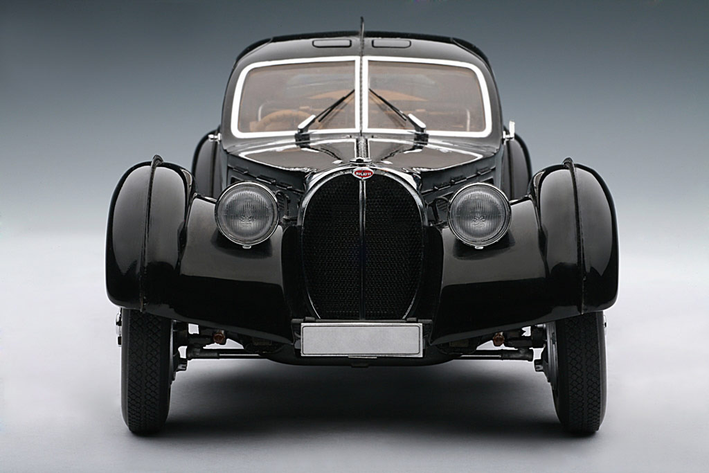 AUTOart: 1938 Bugatti 57SC Atlantic - Black w/ Disc Wheels (70941) in 1:18 scale . Picture provided by Alex, 2010-02-02 23:41:34