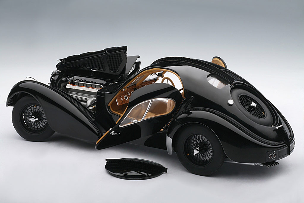 AUTOart: 1938 Bugatti 57SC Atlantic - Black w/ Disc Wheels (70941) im 1:18 maßstab . Picture provided by Alex, 2010-02-02 23:43:10