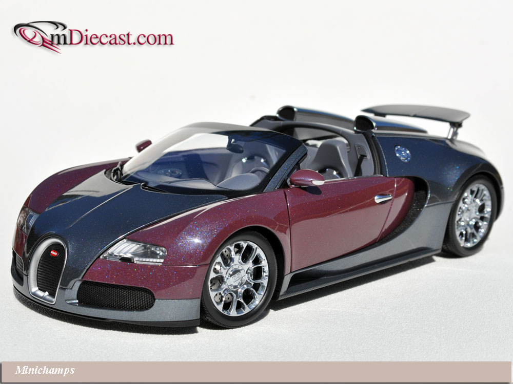 Minichamps: 2010 Bugatti Veyron Grand Sport - Graphite/Grey (100 110830) in 1:18 scale . Picture provided by Alex, 2010-10-05 13:24:18