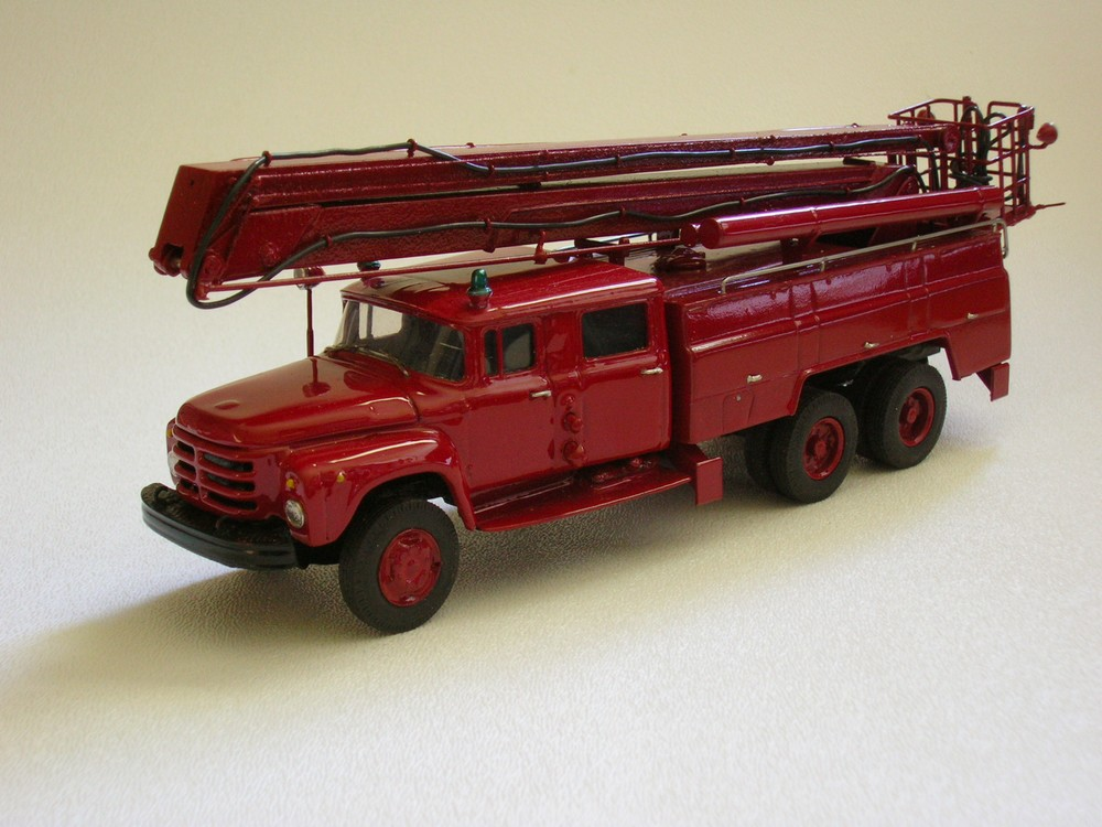 AGD: AC-40 Fire Truck on ZIL 133GYa Chassis Model 203 in 1:43 scale