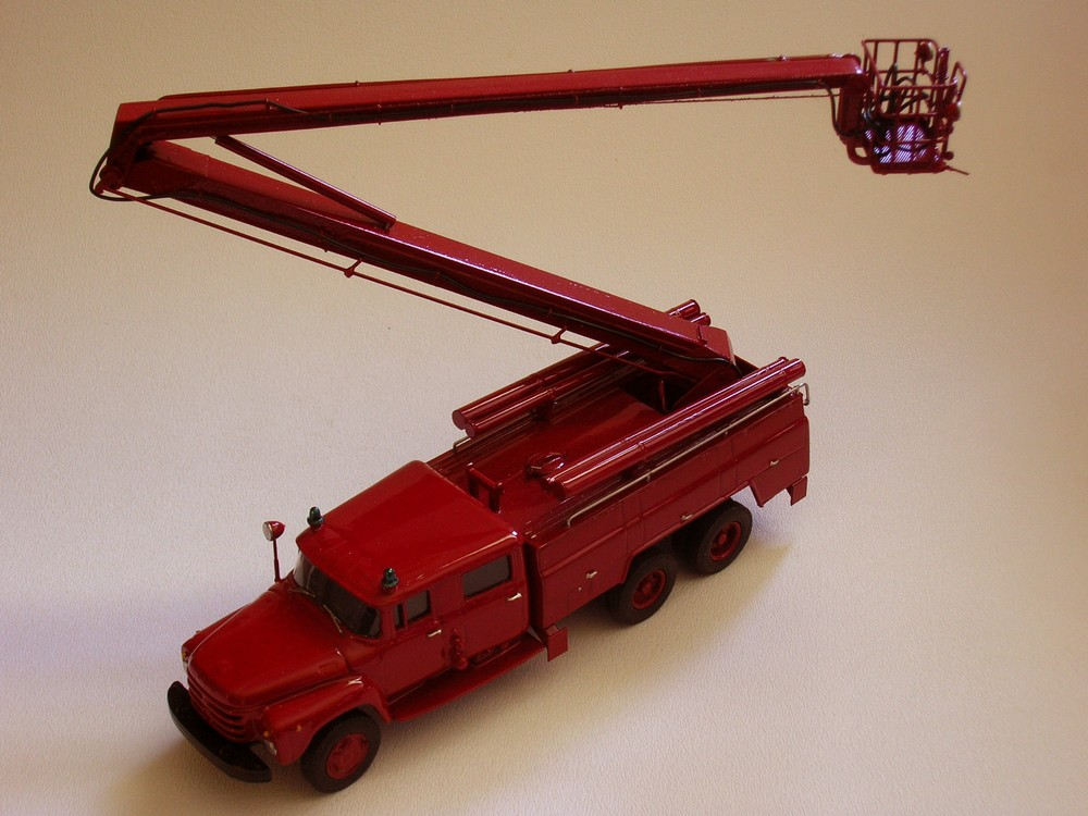 AGD: AC-40 Fire Truck on ZIL 133GYa Chassis Model 203 in 1:43 scale . Picture provided by Alex, 2010-04-09 14:02:51