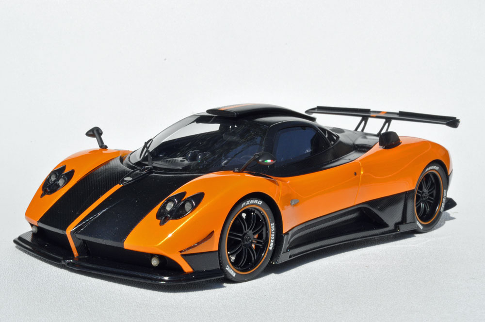 Peako Model: Pagani Zonda Cinque - Orange (18005ORZC) in 1:18 scale