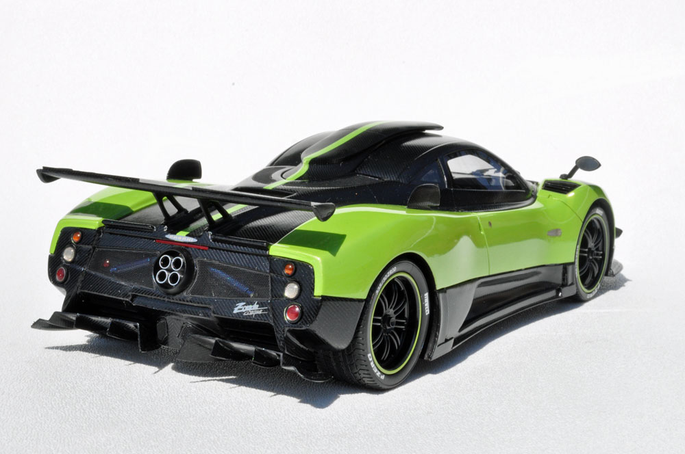 Peako Model: Pagani Zonda Cinque - Green (18005GRZC) in 1:18 scale