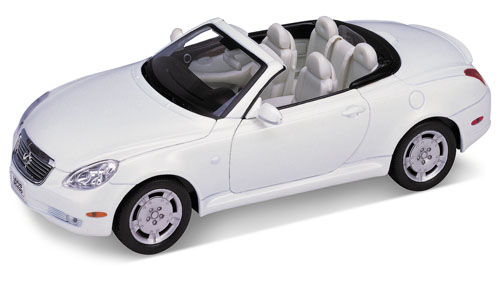 Welly: Lexus SC430 - Pearl (2518) in 1:18 scale
