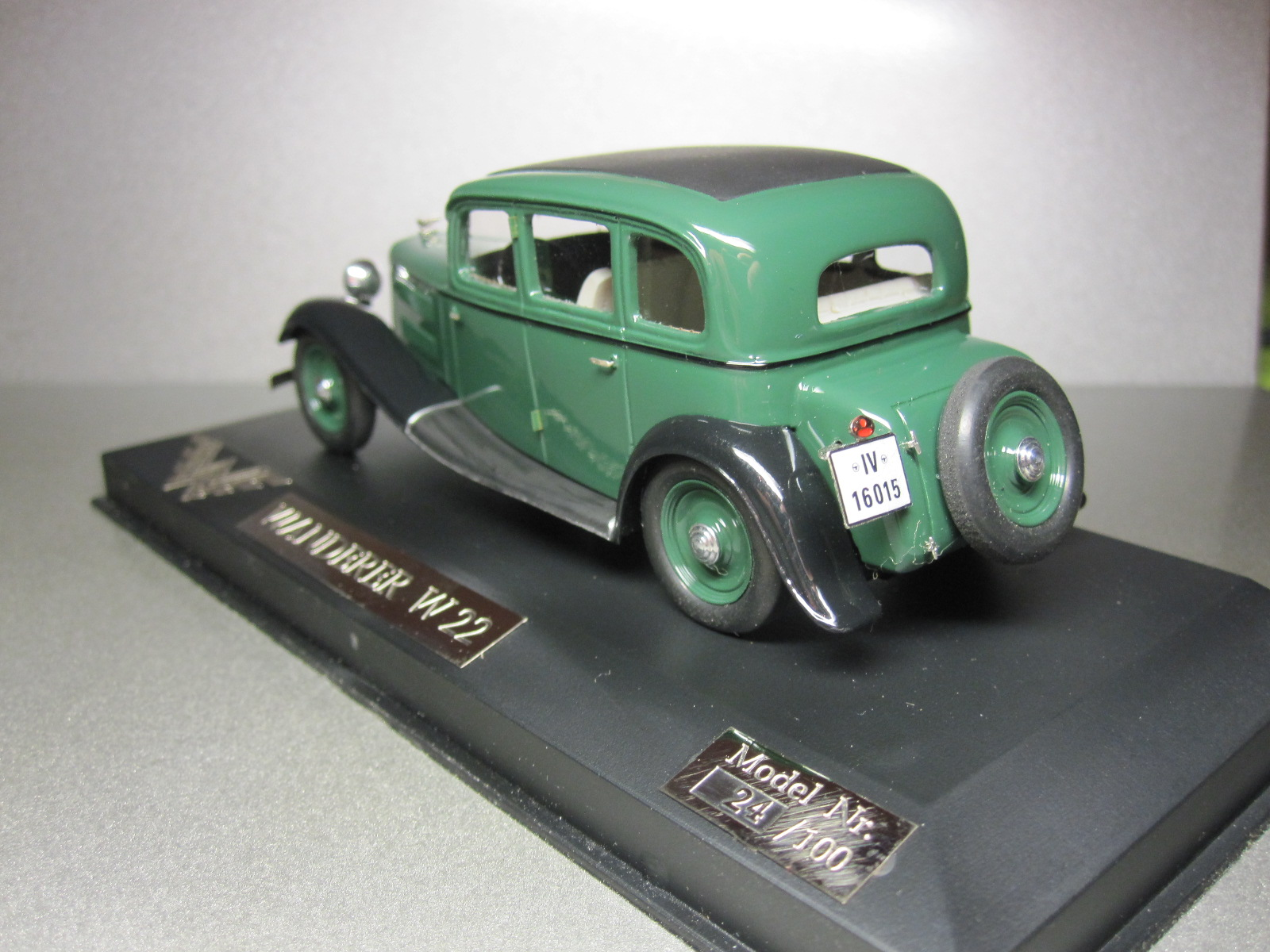 ZZ Model: 1933 Wanderer W22 Limousine Green in 1:43 scale . Picture provided by Aleksandr (Desdemona), 2010-06-08 14:48:26