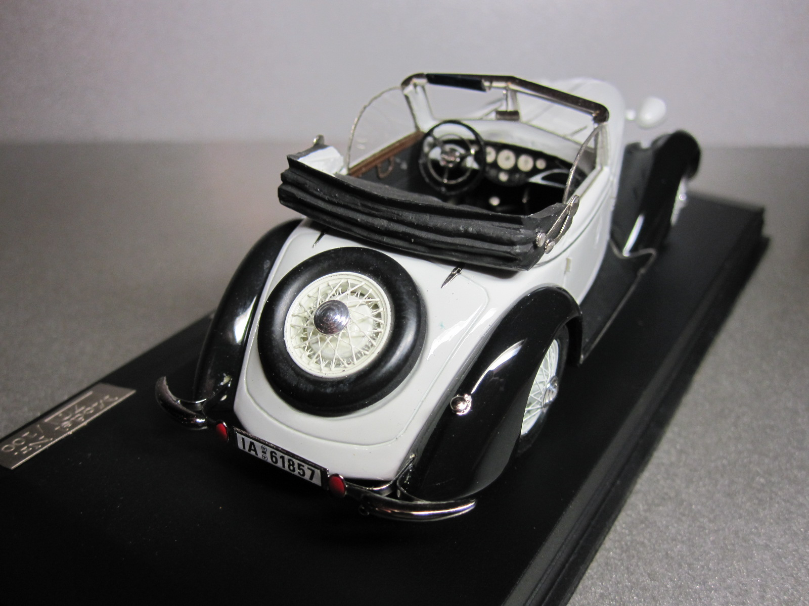 ZZ Model: 1936 Wanderer W 25K Cabriolet White-Black (70/100) in 1:43 scale . Picture provided by Aleksandr (Desdemona), 2010-06-08 15:01:40