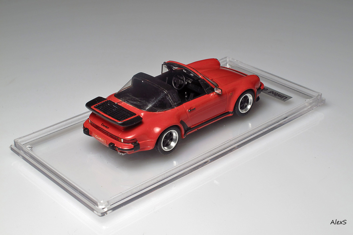 EMC: 1988 Porsche 911 Turbo Targa (930) in 1:43 scale . Picture provided by Alexey S, 2013-02-12 10:28:30