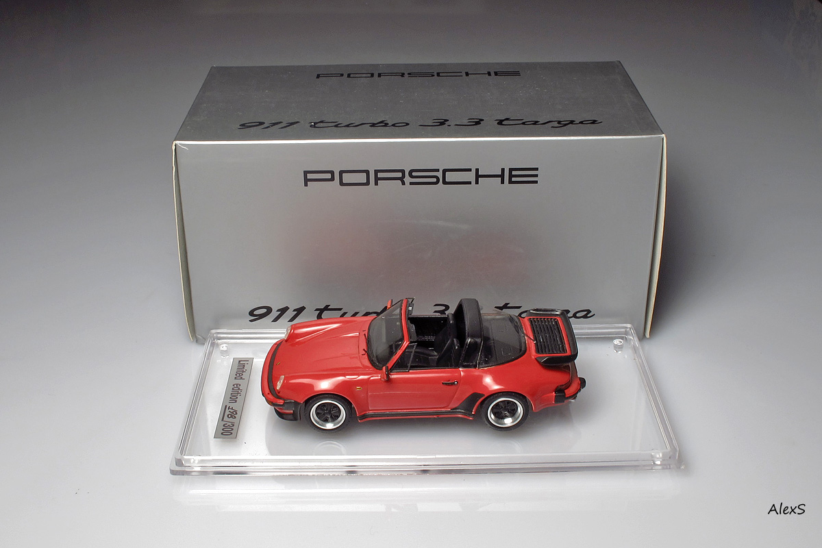EMC: 1988 Porsche 911 Turbo Targa (930) in 1:43 scale . Picture provided by Alexey S, 2013-02-12 10:28:45
