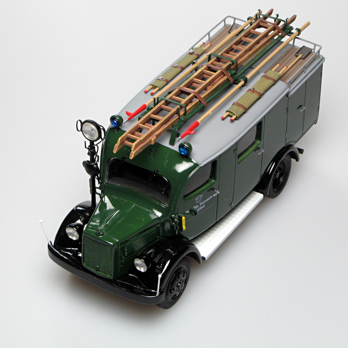 Gollwitzer: Mercedes-Benz L1500 LF8 Fire - Green in 1:43 scale . Picture provided by Vladimir, 2007-04-18 22:18:35