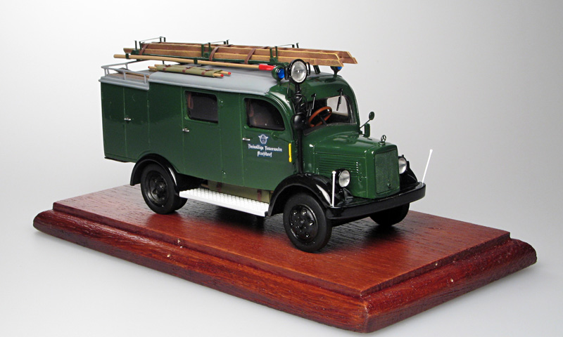 Gollwitzer: Mercedes-Benz L1500 LF8 Fire - Green in 1:43 scale . Picture provided by Vladimir, 2007-04-18 22:18:41