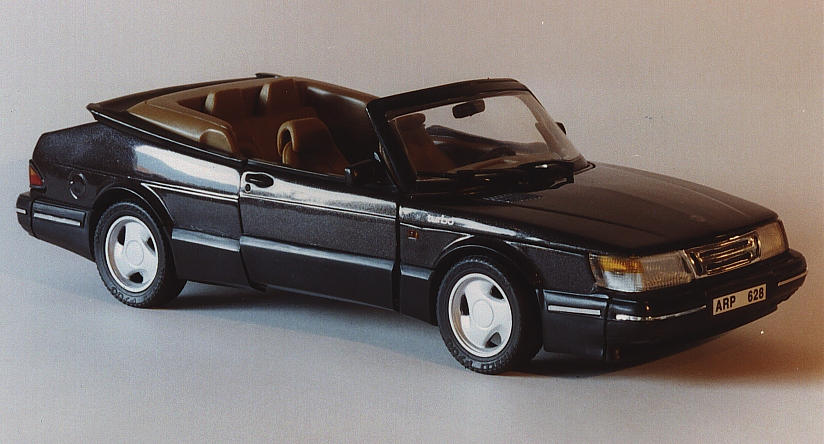 Anson: 1992 Saab 900 Turbo Cabriolet - Black (30307) in 1:18 scale