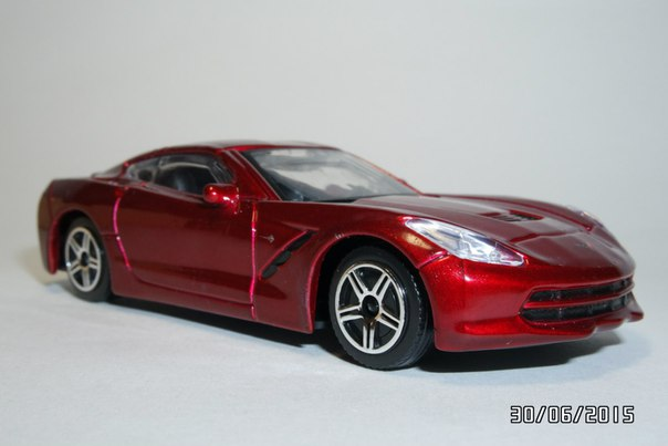 Bburago: Chevrolet Corvette Stingray 2014 in 1:43 scale