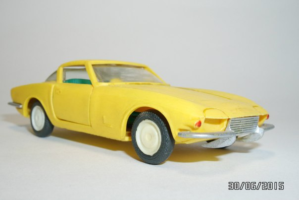 A Model: 1963 Chevrolet Corvette Rondine Pininfarina (A - 22) in 1:43 scale