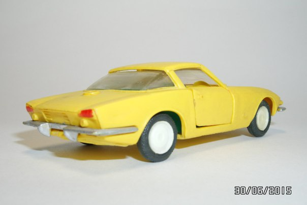 A Model: 1963 Chevrolet Corvette Rondine Pininfarina (A - 22) in 1:43 scale . Picture provided by George, 2015-11-09 00:04:06