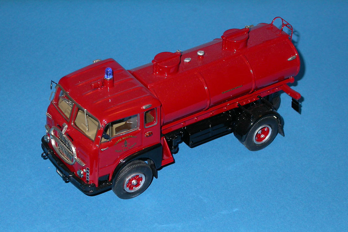 CB Modelli: Fiat 682 N Fire Tanker in 1:43 scale . Picture provided by Mauro, 2008-02-16 11:27:50
