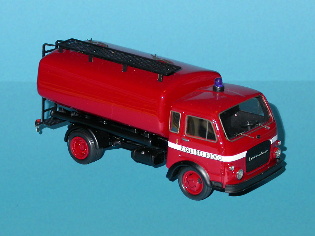 Brianza: OM Leoncino Autobotte Vigili del Fuoco in 1:43 scale . Picture provided by Mauro, 2007-09-20 12:24:28