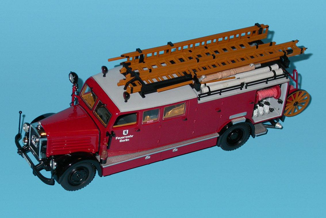 Minichamps Mercedes Benz Lod3750 Ks25 Feuerwehr Berlin