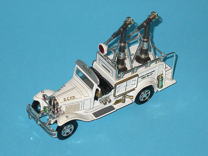 Matchbox: 1932 Ford AA High Pressure Truck (YYM37634) im 1:43 maßstab . Picture provided by Mauro, 2007-10-20 11:53:51