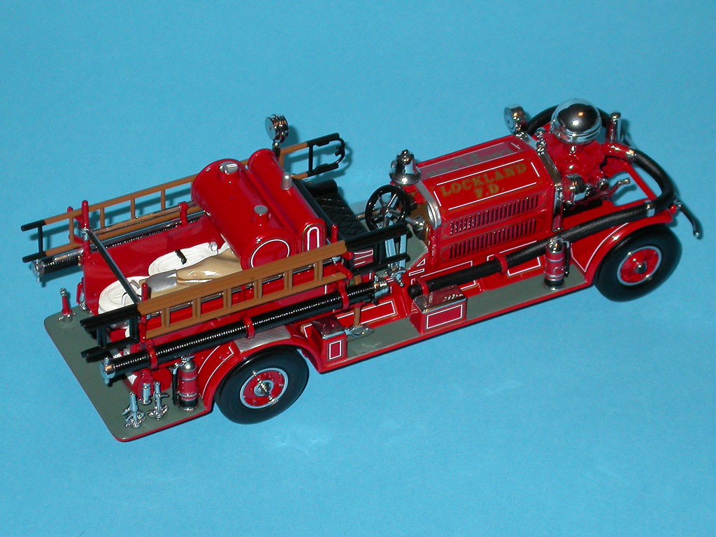 Matchbox: 1927 Ahrens Fox N-S-4 Fire Engine (YSFE04-M) in 1:43 scale . Picture provided by Mauro, 2007-10-20 04:09:18