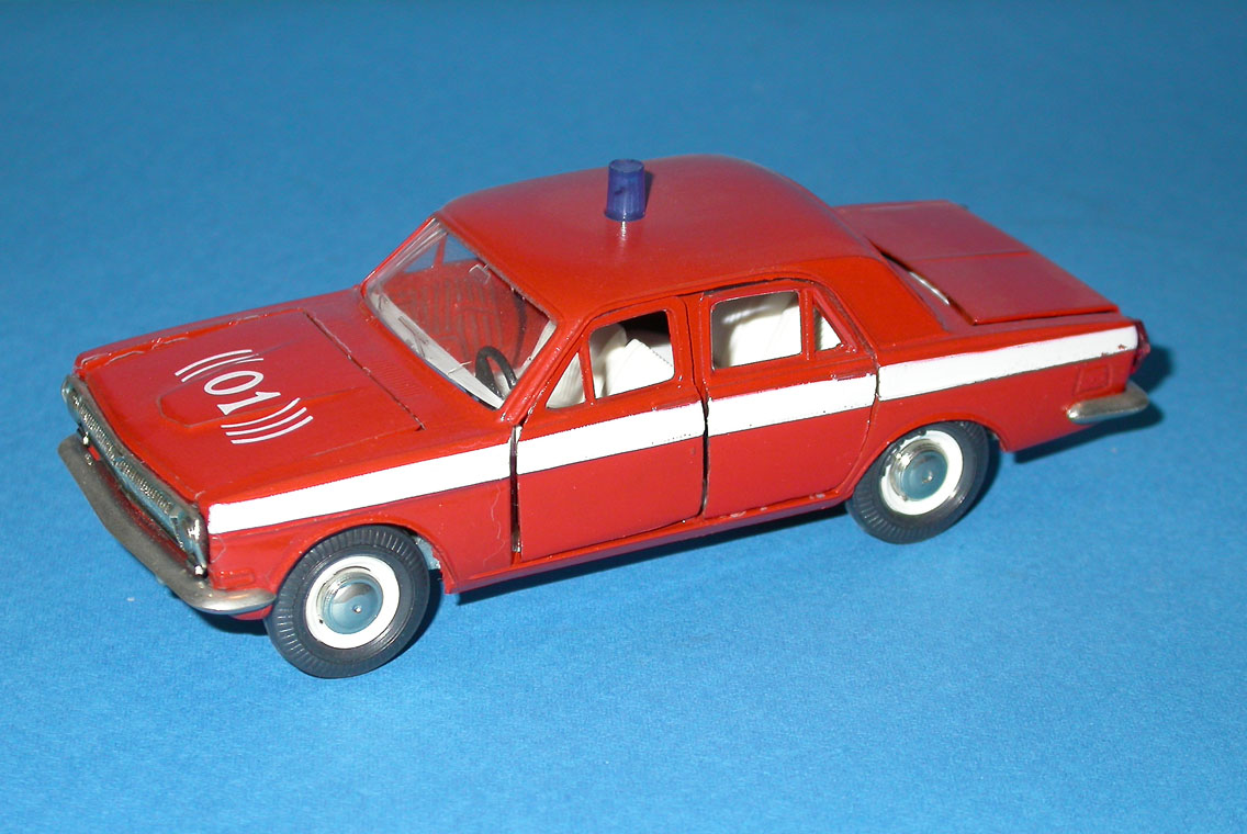 Agat/Tantal: GAZ 24 Volga Fire VDPO Red in 1:43 scale . Picture provided by Mauro, 2008-02-28 11:03:06