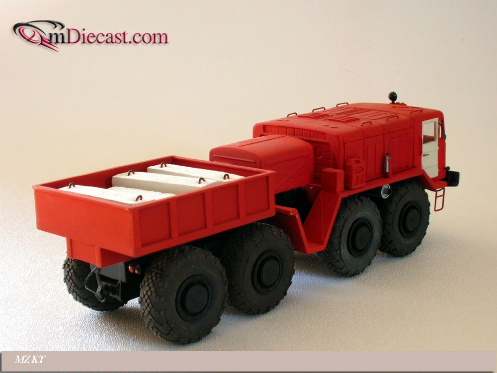 AD Modum: MAZ 537L Fire Tractor - Red in 1:43 scale