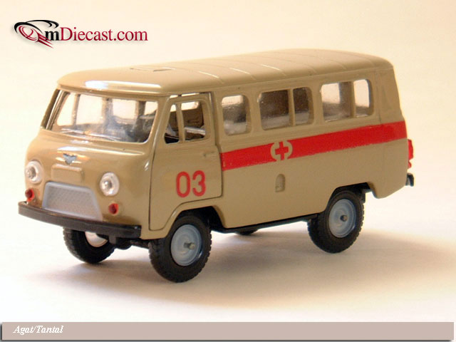 Agat/Tantal: UAZ 452V Ambulance - Beige (A41) in 1:43 scale