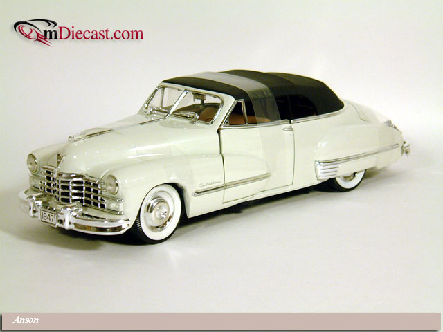 Anson: 1947 Cadillac Series 62 Convertible w/Black Softtop - White w/ Ta (30345) в 1:18 масштабе