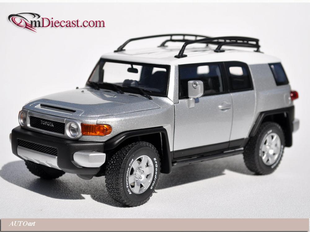 Autoart Toyota Fj Cruiser Silver 78855b In 1 18 Scale