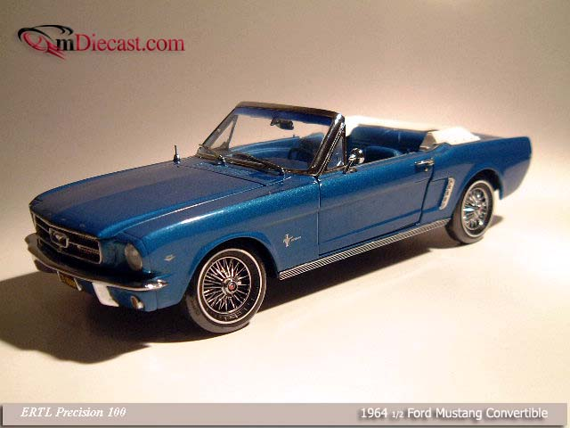 ERTL Precision 100: 1964 1/2 Ford Mustang Convertible Blue (32400M) в 1:18 масштабе