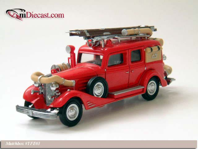Matchbox: 1933 Cadillac V16 Fire Engine (YFE03-M) в 1:43 масштабе