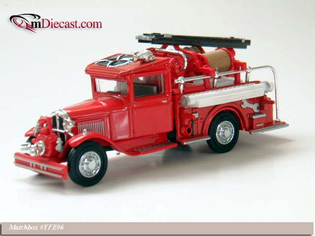 Matchbox: 1932 Ford Model AA Fire Engine (YFE06-M) in 1:43 scale