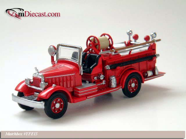Matchbox: 1935 Mack Pumper (YFE15) в 1:43 масштабе