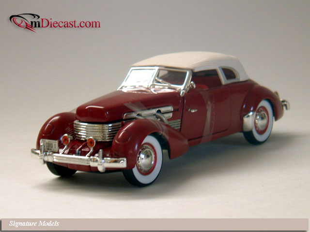 Signature Models: 1937 Cord 812 Burgundy (32312) in 1:32 scale