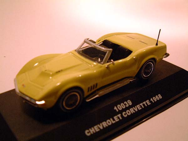 Sun Star: 1968 Chevrolet Corvette Open Convertible - Yellow (10039) в 1:43 масштабе