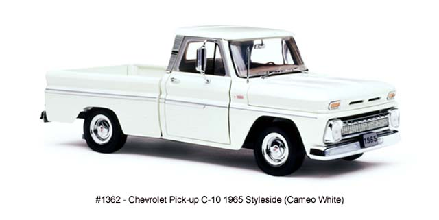 Sun Star: 1965 Chevrolet C-10 Styleside Pickup - Cameo White (1362) in 1:18 scale