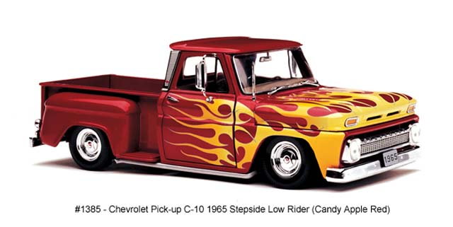 Sun Star: 1965 Chevrolet C-10 Stepside Pickup Low Rider - Candy Apple Red (1385) в 1:18 масштабе