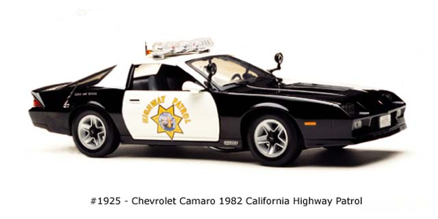 Sun Star: 1982 Chevrolet Camaro California Highway Patrol (1925) im 1:18 maßstab
