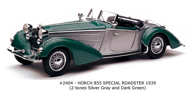 Sun Star: 1939 Horch 855 Special Roadster - Silver Grey and Dark Green (2404) im 1:18 maßstab