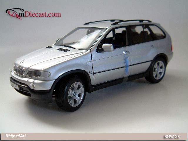 Welly: BMW X5 - Silver (9842) in 1:18 scale