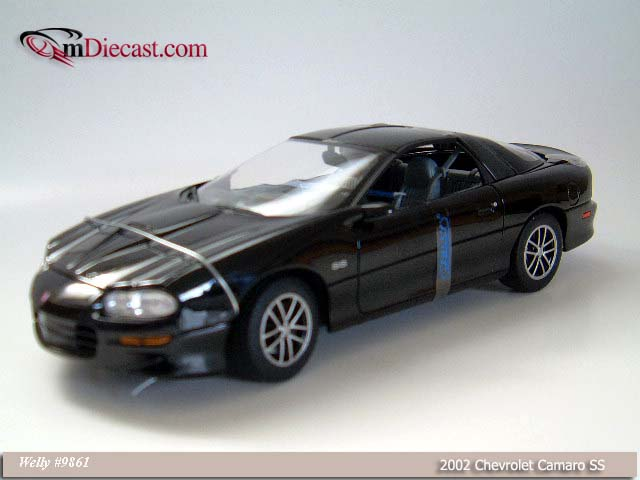 Welly: 2002 Chevrolet Camaro SS - Black (9861) in 1:18 scale