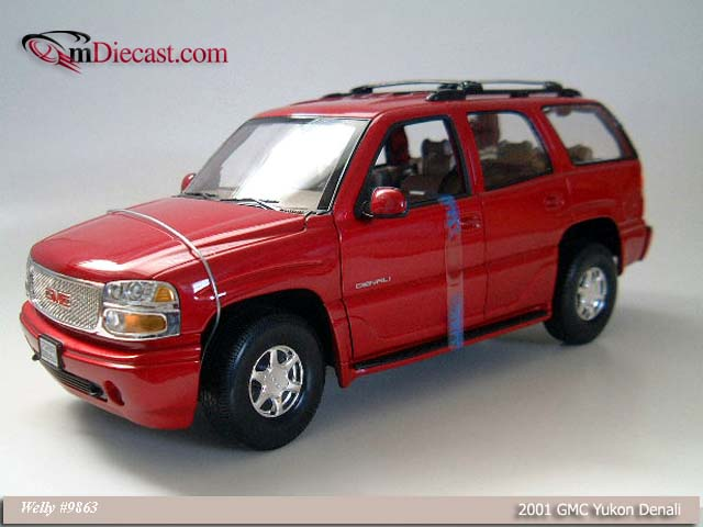 Welly: 2001 GMC Yukon Denali - Red (9863) в 1:18 масштабе