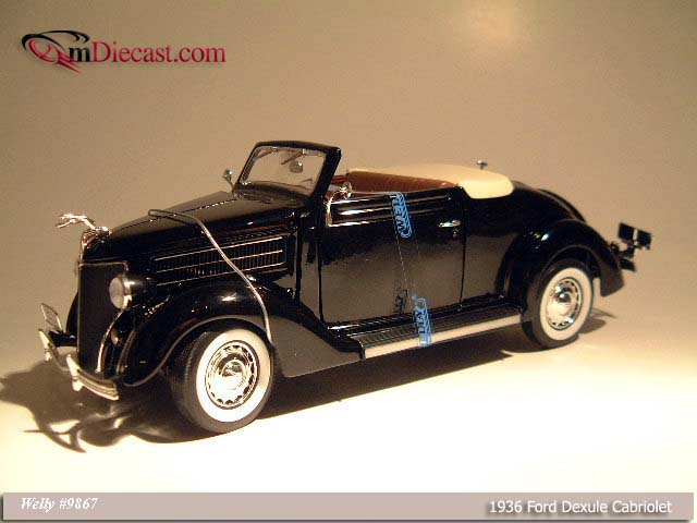 Welly: 1936 Ford Deluxe Cabriolet - Black (9867) в 1:18 масштабе