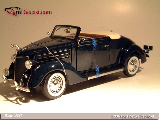 Welly: 1936 Ford Deluxe Cabriolet - Dark Blue (9867) im 1:18 maßstab