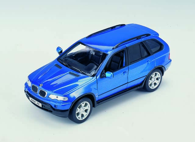 Welly: BMW X5 M. Blue (2074) в 1:24 масштабе